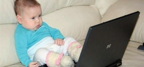 baby-on-laptop