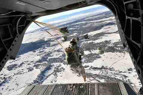 Skydiving: Ελεύθερη πτώση στο κενό