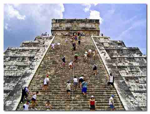 Η πυραμιδα του kukulcan