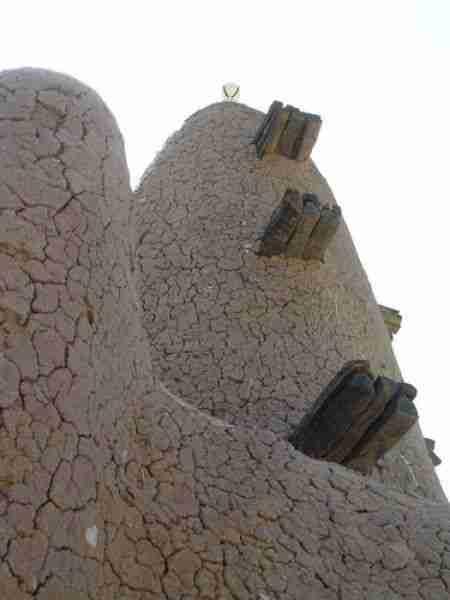 Το μεγαλύτερο κτίριο φτιαγμένο από λάσπη