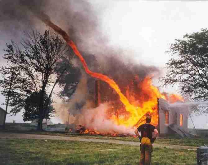Στρόβιλοι φωτιάς (Fire Whirls)