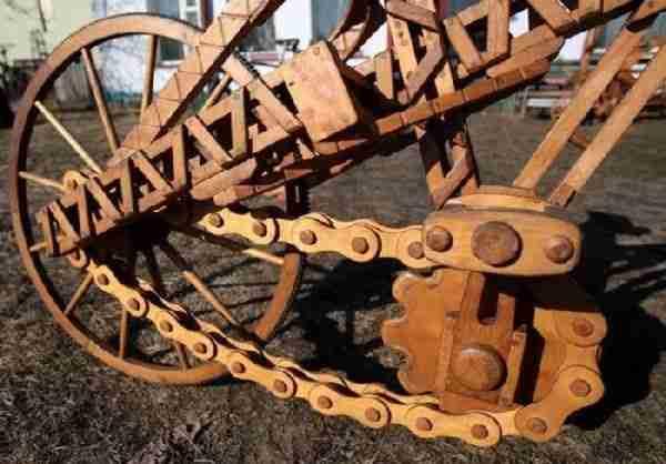 Ποδήλατο φτιαγμένο από ξύλο