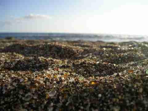 Η γυάλινη παραλία