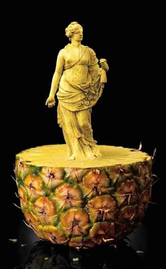 Εντυπωσιακά γλυπτά πάνω σε φρούτα