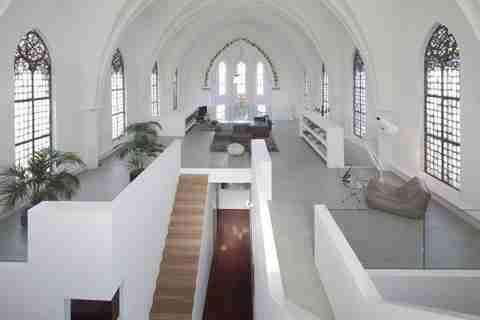 Από εκκλησίες.. σπίτια!