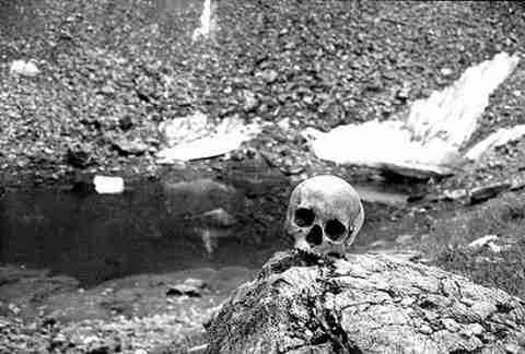 Η λίμνη με τους σκελετούς!