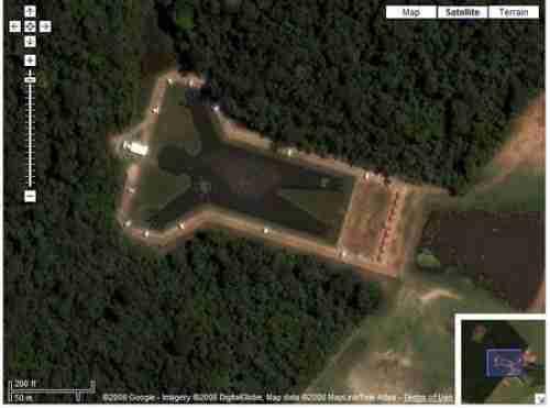 Λίμνη σε σχήμα ανθρώπου