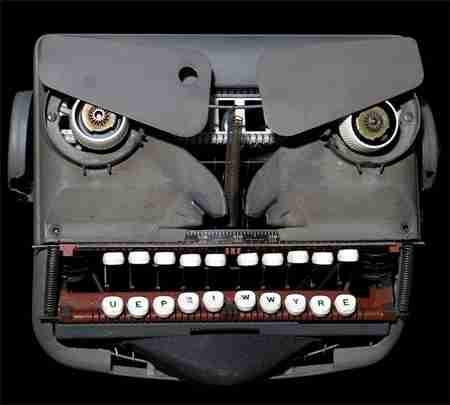 Γλυπτά από εξαρτήματα γραφομηχανής