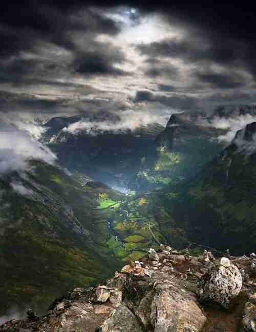 Το μεγαλοπρεπές βουνό Dalsnibba