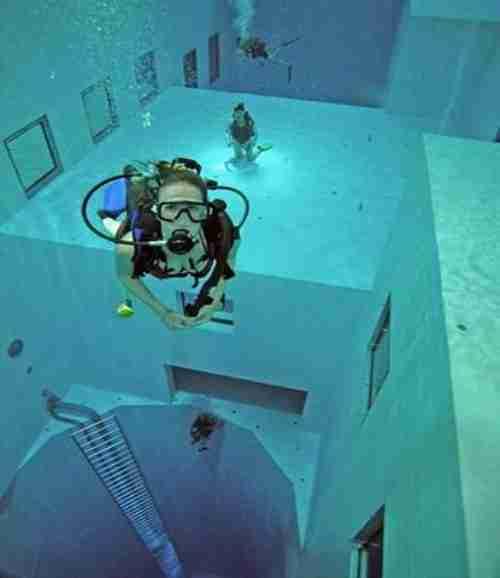 Nemo 33, η βαθύτερη πισίνα στον κόσμο