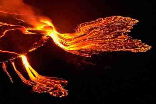 Η λίμνη λάβας του ηφαιστείου Νιραγκόνγκο