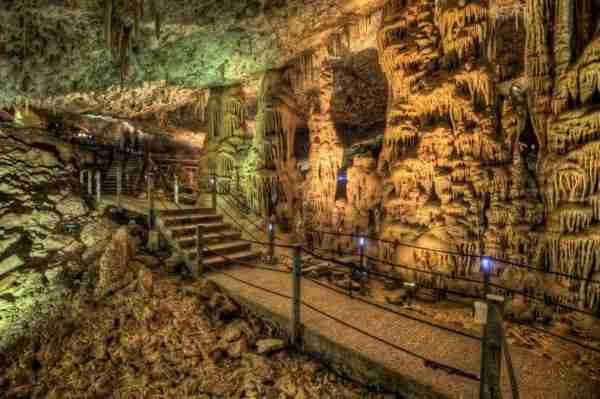 Avshalom, το σπήλαιο με τους ομορφότερους σχηματισμούς σταλακτιτών