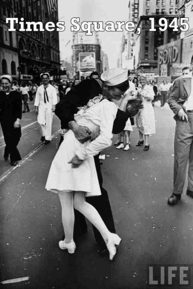 Οι 18 πιο ρομαντικές φωτογραφίες όλων των εποχών