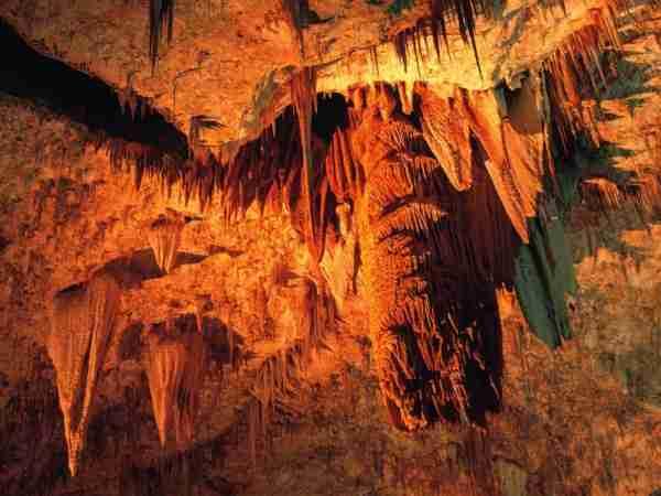 Κάρλσμπαντ, ένας μυστικός υπόγειος κόσμος