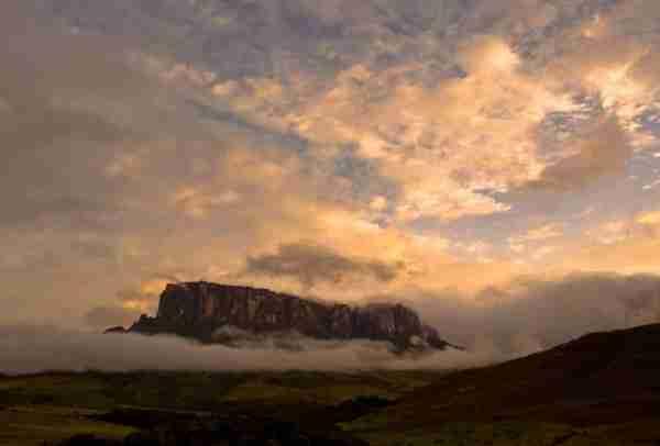 Roraima, ένα βουνό χωρίς κορυφή!