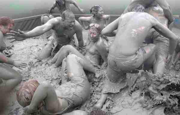 Το φεστιβάλ της λάσπης