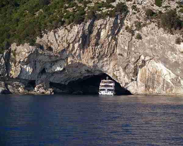 Σπήλαιο Παπανικολής, το μεγαλύτερο ενάλιο σπήλαιο στον κόσμο