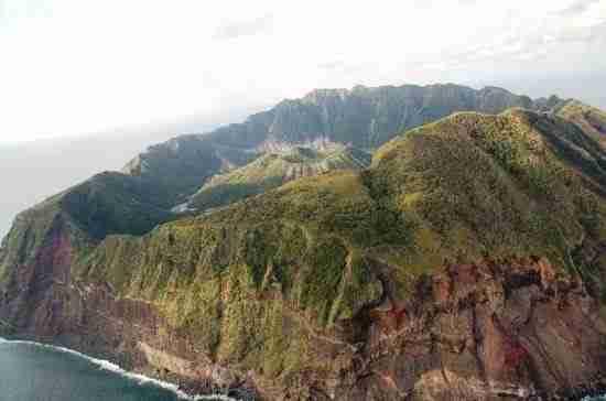 Νησί Aogashima, ένα χωριό μέσα σε ένα ενεργό ηφαίστειο