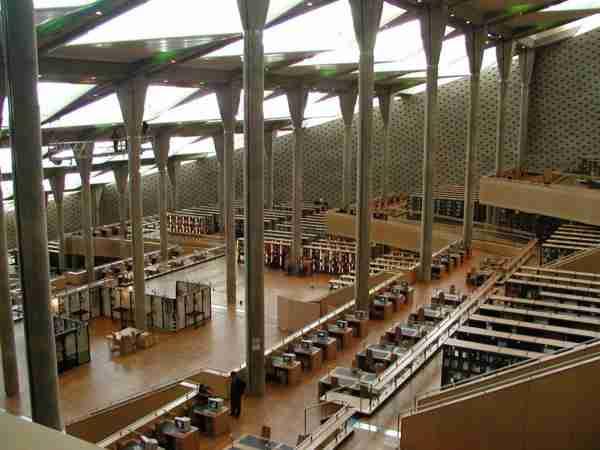 Η νέα βιβλιοθήκη της Αλεξάνδρειας