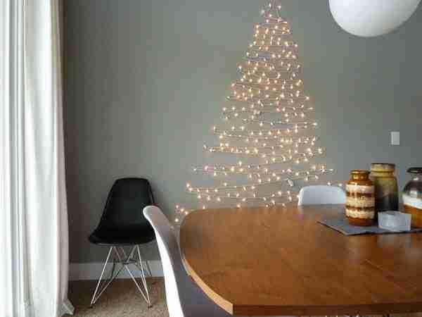 Πρωτότυπα Χριστουγεννιάτικα δέντρα από καθημερινά αντικείμενα