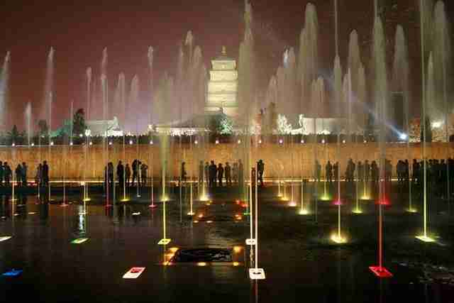 Big Wild Goose Pagoda Fountains – Xian City, China2