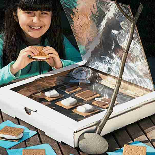 A Solar-Powered S'more Oven