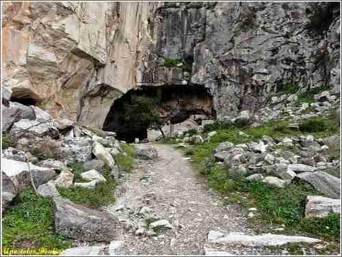 Σπήλαιο Νταβέλη (Αττική).