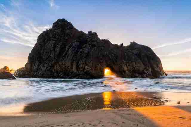 Το παράξενο φως της παραλίας Pfeiffer