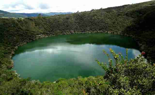 Laguna-de-Guatavita-in-Colombia-crater-lake