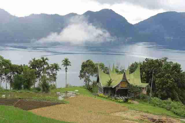 Lake-Maninjau-is-a-crater-lake-in-West-Sumatra-Indonesia