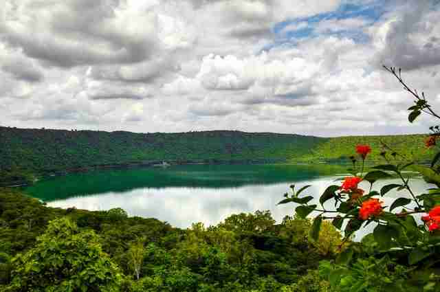 Lonar-Crater-Lake-at-Aurangabad-India