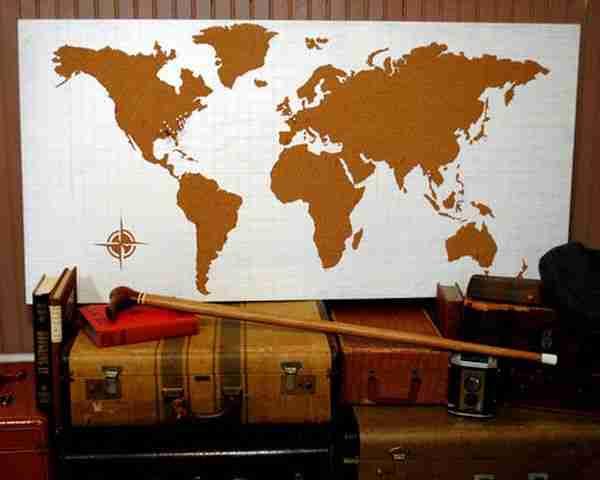 cork-board-wall-world-map