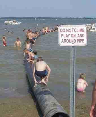 40 αστείες και παράξενες φωτογραφίες στη παραλία