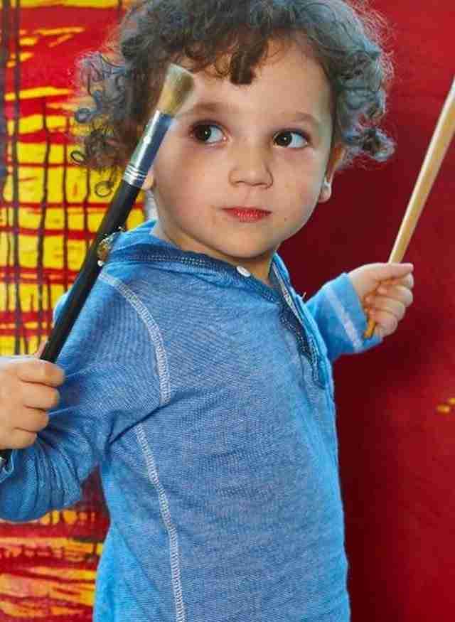 3χρονο Ελληνόπουλο εκθέτει τα έργα του σε γκαλερί ζωγραφικής