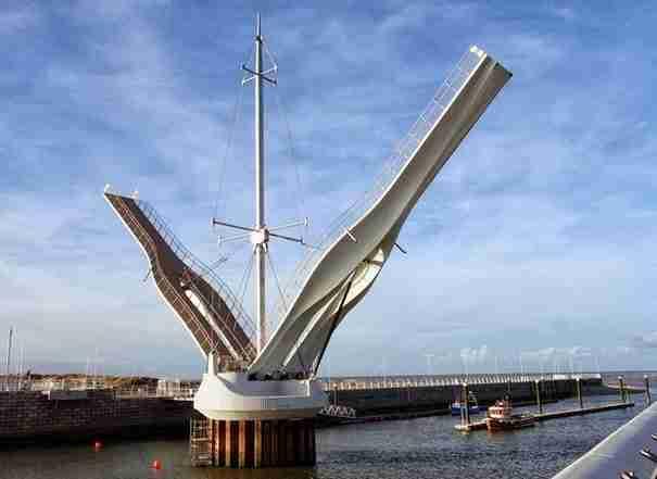 dinfo.gr - Οι 10 πιο εντυπωσιακές κινητές γέφυρες