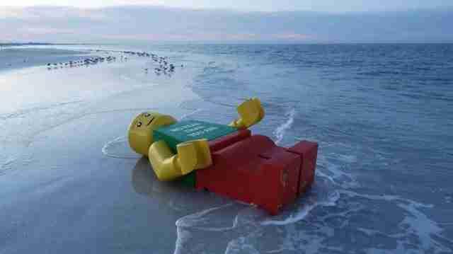 Τα 10 πιο παράξενα πράγματα που ξέβρασε η θάλασσα