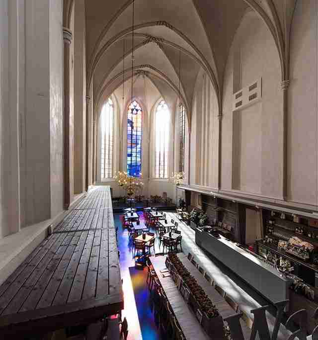 Εκκλησία μετατρέπεται σε βιβλιοθήκη και προκαλεί δέος