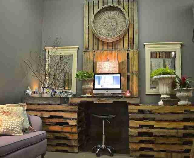 ΔΕΙΤΕ...25 γραφεία και τραπέζια από ξύλινες παλέτες!!!
