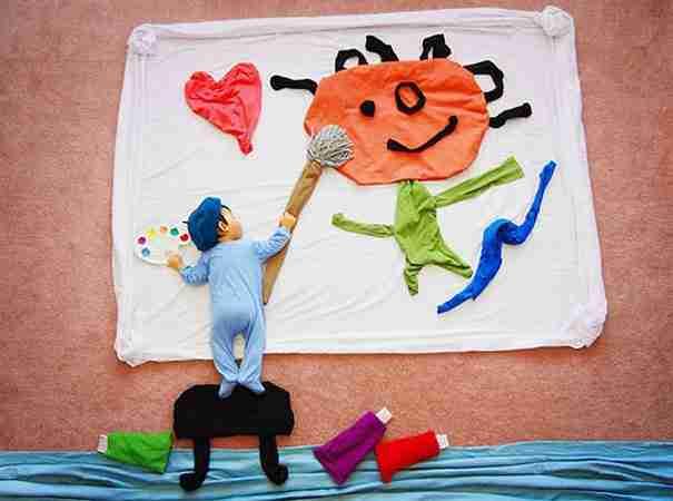 dinfo.gr - Μαμά μετατρέπει τον ύπνο του μωρού της σε μαγικό παραμύθι