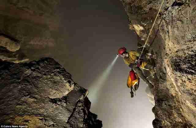 Μια σπηλιά τόσο μεγάλη που έχει το δικό της καιρό!