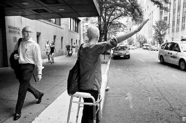 dinfo.gr - Σύζυγος φωτογραφίζει τη μάχη της γυναίκας του με τον καρκίνο