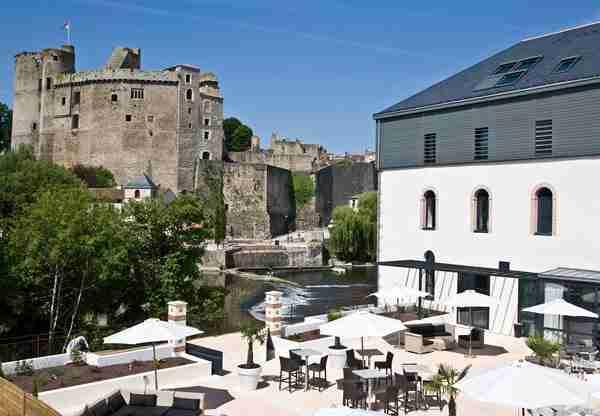 dinfo.gr - Spooky Hotels: Τα στοιχειωμένα ξενοδοχεία της Ευρώπης