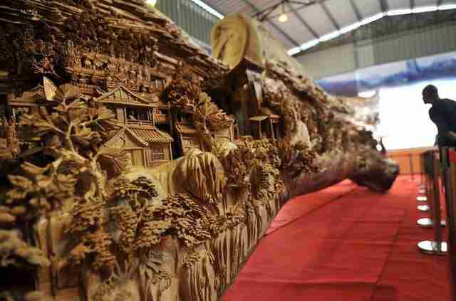 dinfo.gr - Το μεγαλύτερο ξύλινο γλυπτό στον κόσμο