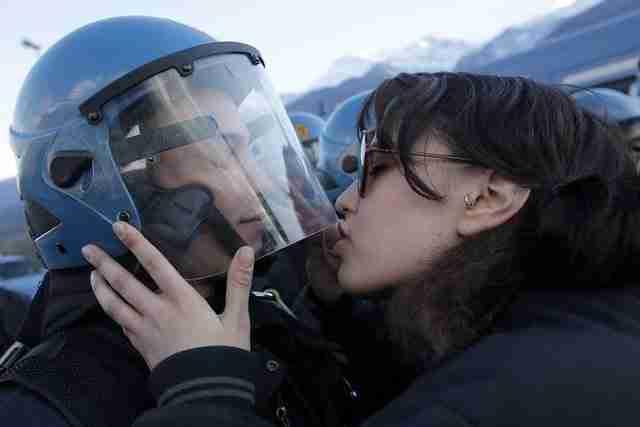 dinfo.gr - Οι 22 πιο πολυσυζητημένες φωτογραφίες του 2013 σύμφωνα με το AFP