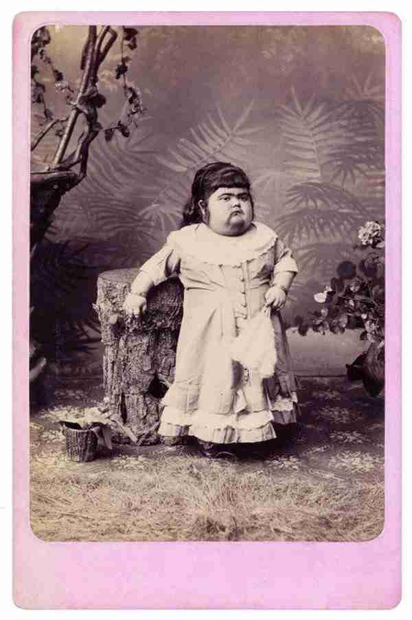 "dinfo.gr - Ο φωτογράφος των ""φρικιών"" της ιστορίας"