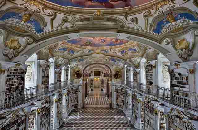 diaforetiko.gr : admont abbey monastery library austria 1 Η μεγαλύτερη και πιο όμορφη μοναστική βιβλιοθήκη στον κόσμο