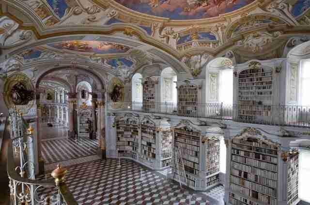 diaforetiko.gr : admont abbey monastery library austria 13 Η μεγαλύτερη και πιο όμορφη μοναστική βιβλιοθήκη στον κόσμο