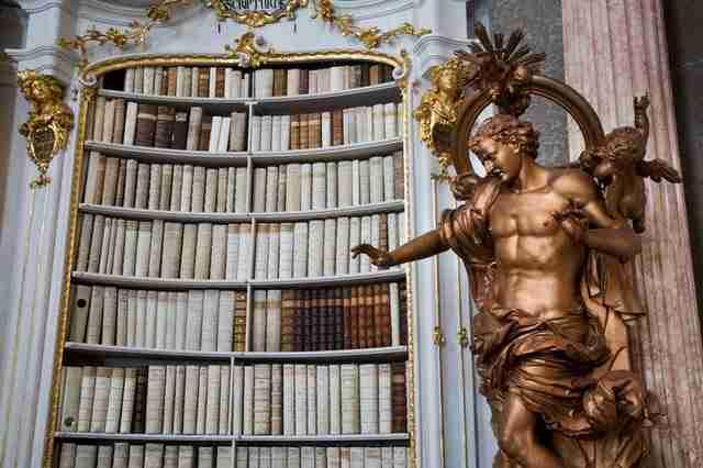 diaforetiko.gr : admont abbey monastery library austria 5 Η μεγαλύτερη και πιο όμορφη μοναστική βιβλιοθήκη στον κόσμο