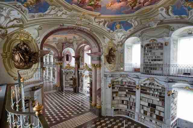 diaforetiko.gr : admont abbey monastery library austria 6 Η μεγαλύτερη και πιο όμορφη μοναστική βιβλιοθήκη στον κόσμο