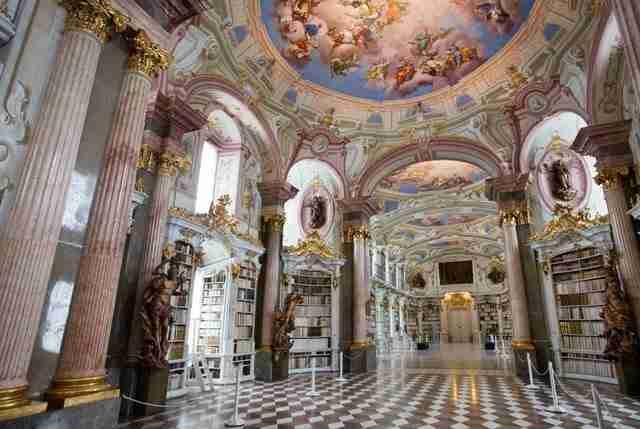 diaforetiko.gr : admont abbey monastery library austria 7 Η μεγαλύτερη και πιο όμορφη μοναστική βιβλιοθήκη στον κόσμο